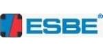 ESBE AB pradėjo savo verslą 1906 metais.  Tai vožtuvų ir reguliavimo armatūros mažų ir didelių pastatų vandentiekio sistemoms gamybos rinkos lyderis. Gamyklos centrinė būstinė yra Reftele, Smolando provincijoje Švedijoje. Ji turi filialus Vokietijoje ir Prancūzijoje bei partnerius daugiau kaip 20-yje šalių.   ESBE gaminiai kieto kuro katilinėms ESBE LTC100 serijos krovimo mazgas yra naudojamas efektyviai užkrauti akumuliacines talpas bei apsaugoti iki 100kW kieto kuro katilus nuo per žemos grįžtamo srauto temperatūros. Taip katilas yra saugomas nuo dervų susidarymo, prailgėja jo tarnavimo laikas bei nemažėja jo naudingumo koeficientas.