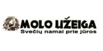 Molo užeiga veikia nuo 1996 metų. Įsikūrusi Melnragėje 200 m nuo jūros.Baras-kavinė,apgyvendinimas jaukiuose kambariuose.